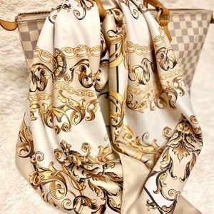 Brand New ✨H&M Large Square Scarf